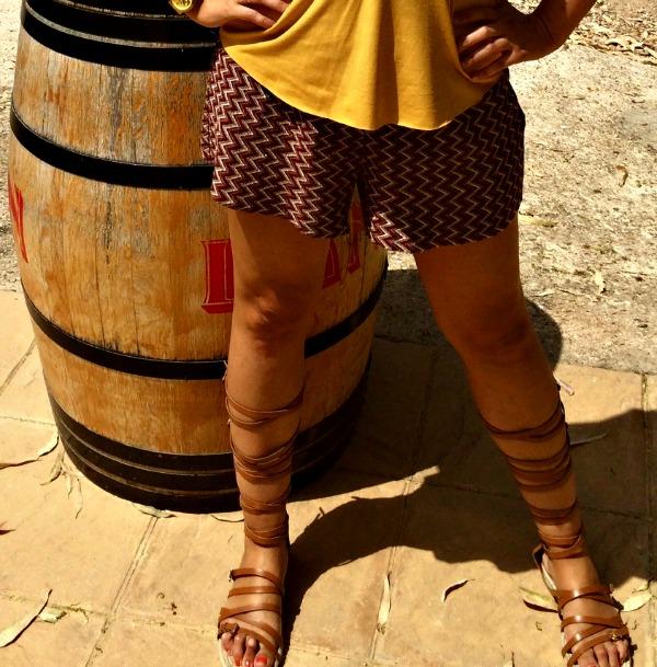 sandalias romanas outfit 1