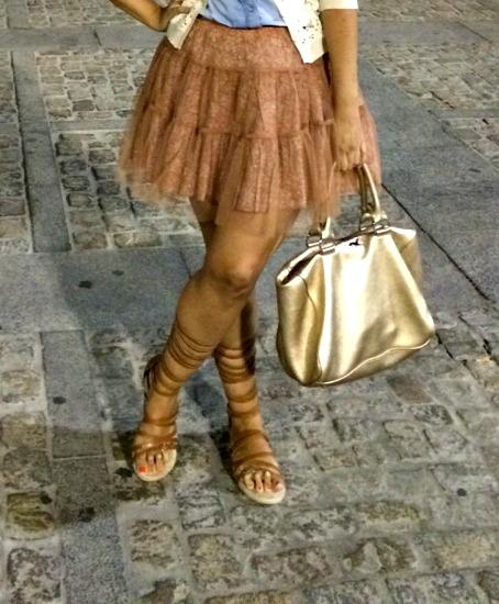 sandalias romanas outfit 2